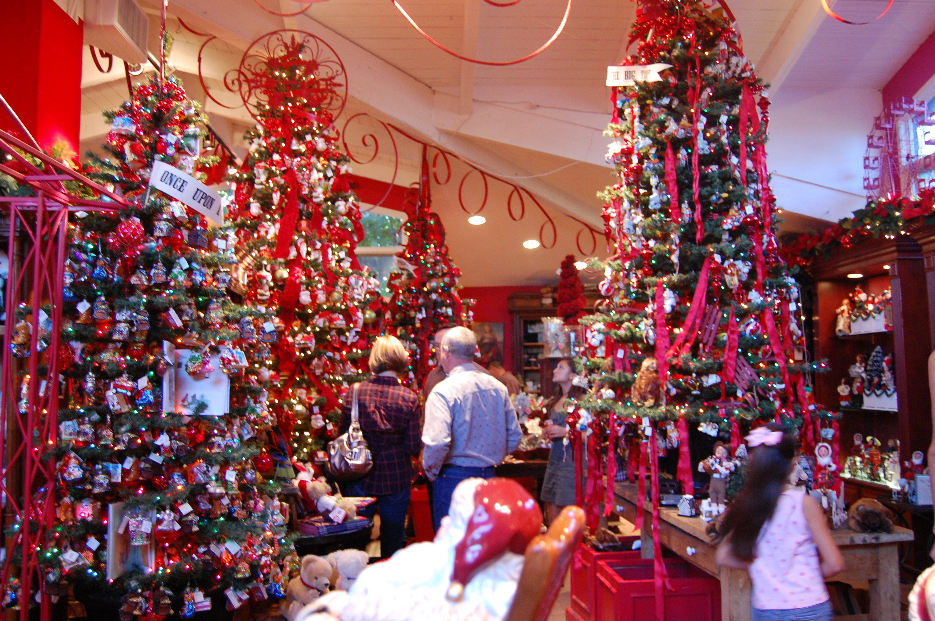 Christmas Rogers Gardens Corona Del Mar Things To Do In Orange County